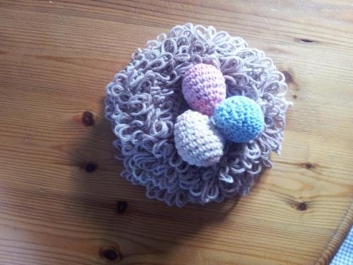 huevos-de-ave-en-un-nido