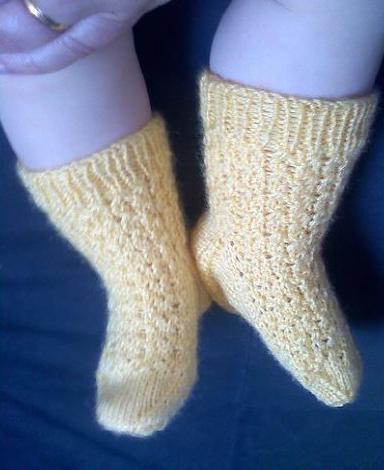 gele-baby-sokjes