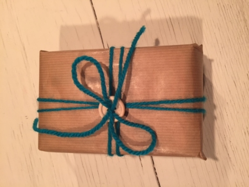 vrolijk-cadeautje-met-strik