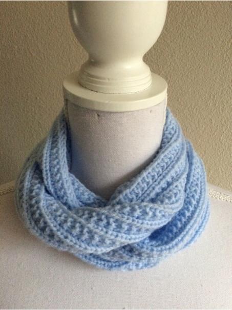 licht-blauwe-col-shawl-in-fantasie+boordsteek.