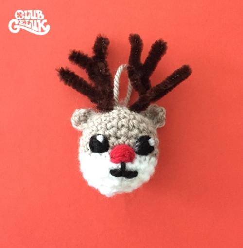 boule-de-no%c3%abl-rudolf-au-crochet